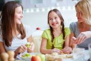 Pour une alimentation saine et équilibrée, proposez une cuisine bio à vos enfants